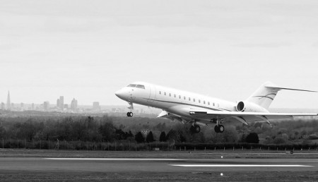 slide-touch-down_bw